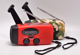 Solar Dynamo Flashlight Radio with AM/FM/NOAA